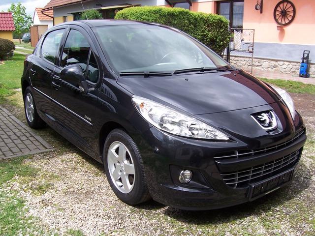 Peugeot 207 1.4 16V FORever 2012