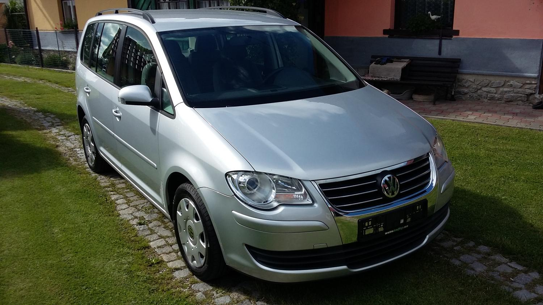 Volkswagen Touran 1.6Mpi 75kw Trendline 7 míst!